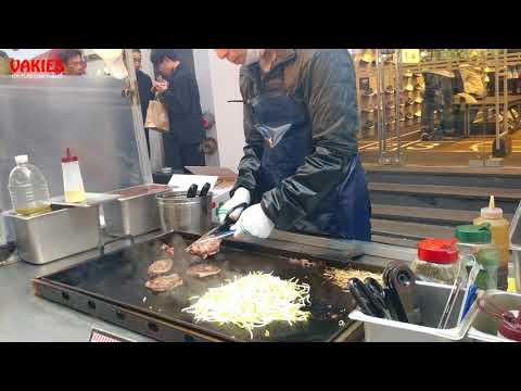 Tender Grilled Beef Steak Street Food - Myeongdong Night Market, Seoul Street Food