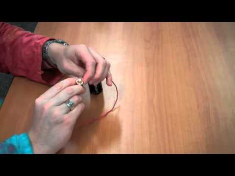 Simple Circuit: a fun, at-home science experiment