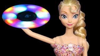 Glow in the Dark Spinners ! Elsa & Anna toddlers - Little Elsa breaks Glowing Light Fidget Spinner