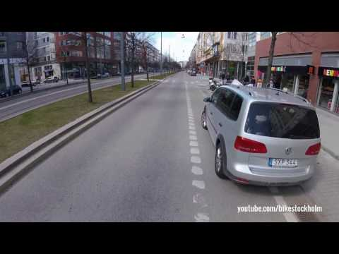 Ejected from bike lane by police. Envis farbror.