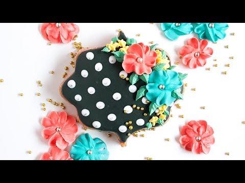 Polka Dot Royal Icing Cookie Tutorial- Rosie's Dessert Spot
