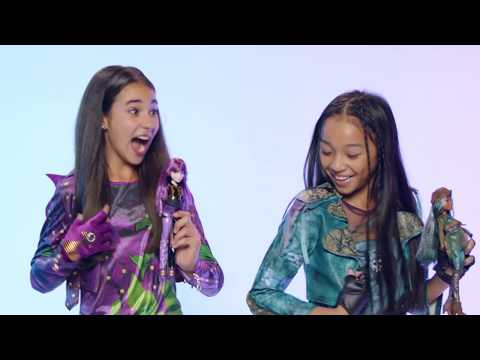 Uma and Mal Dolls Available Now! | Descendants
