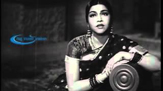 Mangamma Sabatham 1943  --  Pen Puththiyaalae Veen Kanavu