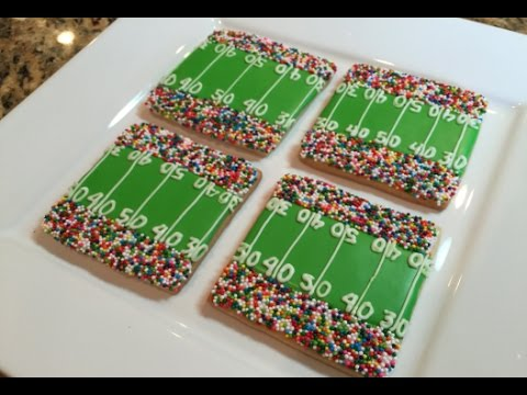 Super Bowl Football Field Cookies (How To)