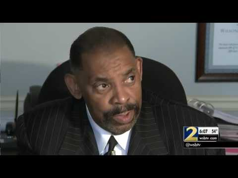 CNN, Turner accused of racial discrimination