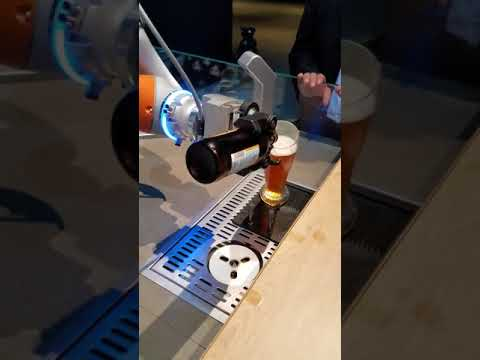 Beer Pouring Robot | 2017 Audi Summit