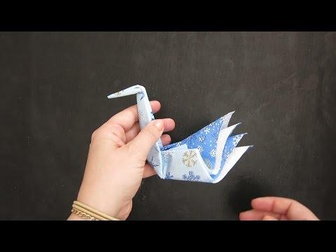 HOW TO ORIGAMI SWAN NAPKIN FOLD