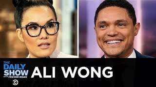 """Ali Wong - Lessons for Her Daughters in """"Dear Girls"""" and Life as a Female Comic 