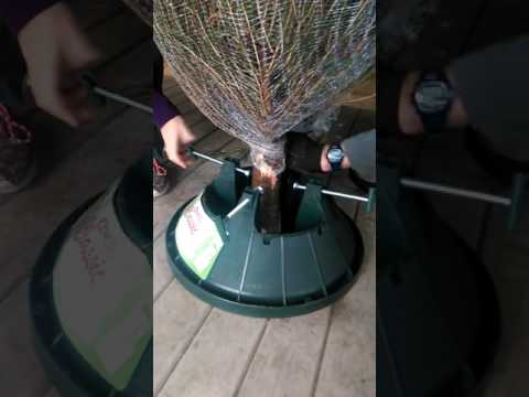 The easy way to put up a Christmas Tree