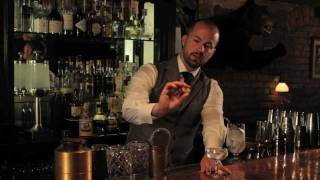 """Learn more about the """"Speakeasy Cocktails"""" iPad book app at http://oapub.co/8b3444d1  How to make a classic gin martini, excerpt from the iPad book: """"Speakeasy Cocktails: Learn from the Modern Mixologists"""", available on the iPad App Store at http://bit.ly/Speakeasy-Cocktails-iTunes    Watch a preview video at http://openairpub.com  This classic gin martini recipe and stirring technique is taught by cocktail expert Jim Meehan, 2009 US Bartender of the Year and founder of New York City"""
