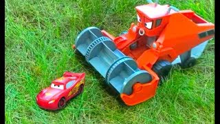 Disney Pixar Cars Lightning McQueen Chase and Change FRANK Color Changers Toy Magic For Kids Movie!