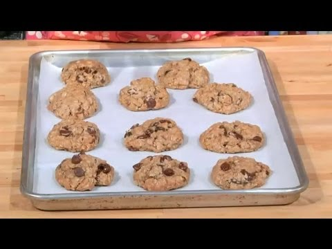 Oatmeal Chocolate Chip Cookies With Butter & Rolled Oats : Sweet Recipes