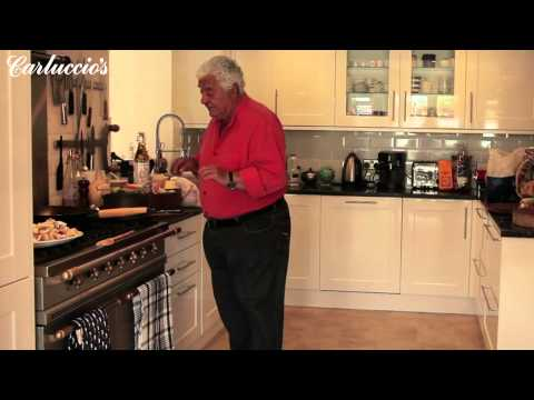 Antonio demonstrates how to make mushroom risotto  -Part One-