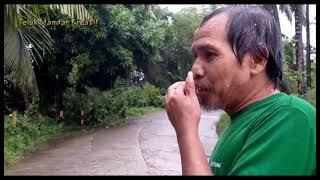 Pemburu Kayu Hanyut di Mandar Paqoronnu Ayu