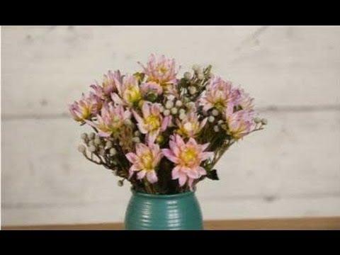 How to Make a Bouquet of Dahlias