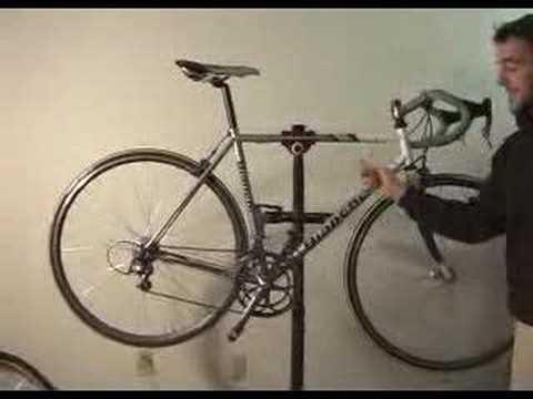 The parts of a bike.  Road Bike  www.thebiketube.com