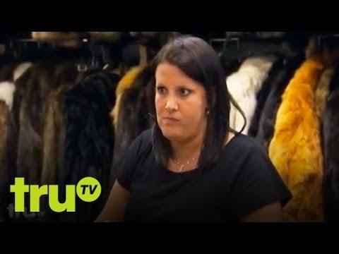 Hardcore Pawn - Woman Tries to Pawn Fake Gucci