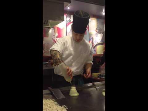 Making an onion volcano