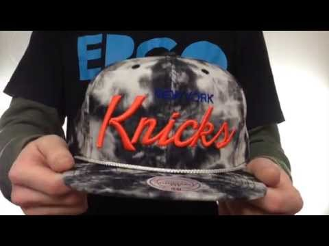 Knicks 'ACID-WASH SNAPBACK' Black Hat by Mitchell & Ness