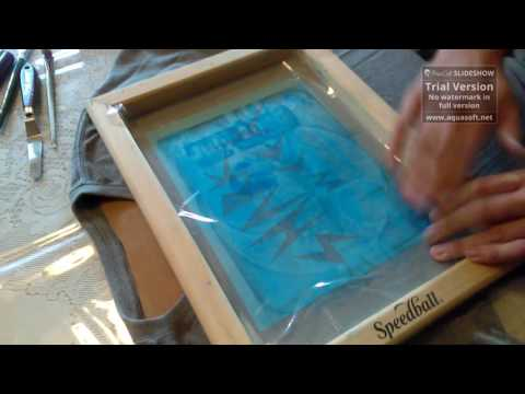 How to create your own t-shirt using a screen printing kit(with stencil)