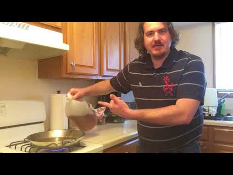 Cleaning stainless steel skillet with vinegar