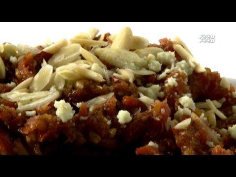 Gajar Aur Khajur Ka Halwa - Sanjeev Kapoor's Kitchen