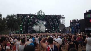 "Ultra Music Festival 2014 - Martin Garrix ""Animals (Botnek Edit)"" @ Main Stage - Day 2"