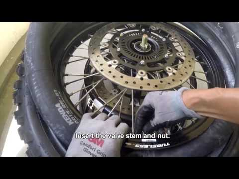 Change KTM1190 Adventure R: Changing Front Tires - (Tube)
