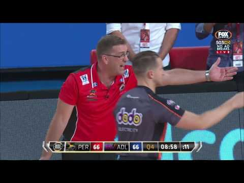 Perth vs Adelaide - Sobey OOB Call