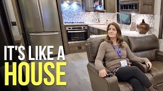 LATEST & GREATEST in Fifth Wheels & Travel Trailers