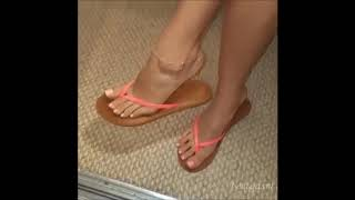 f23091c62 Dangling Feet with Anklet in Flip Flops Watch till the flop drops !