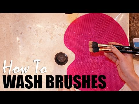 How to Easily wash your makeup brushes!