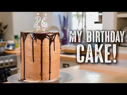 MY BIRTHDAY CAKE 🎉 Gold Funfetti Cake - Topless Baker
