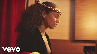 Download Alicia Keys - Raise A Man Video