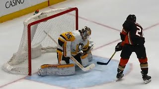 Ducks' Wagner goes five-hole on Penguins' Jarry to score shorthanded