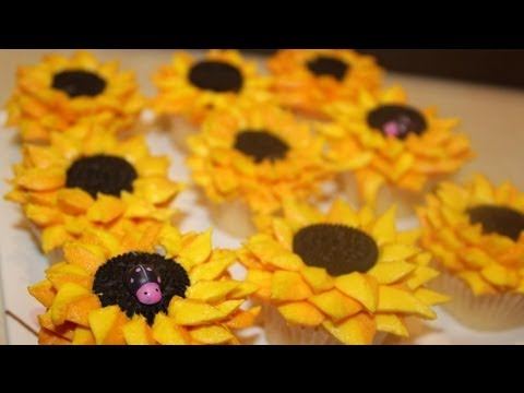 #14 Sunflower Cupcakes - how to make buttercream sunflowers