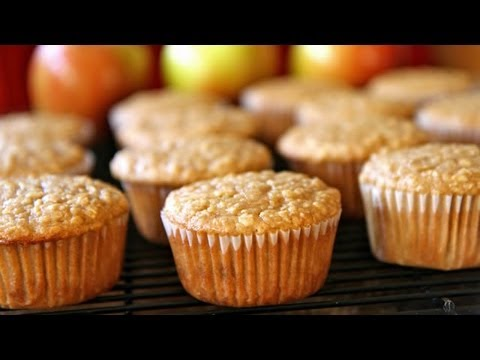 How to Make Oatmeal Apple Muffins