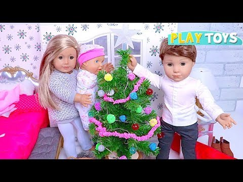 Baby Doll Christmas Tree Decoration! 🎀 Play American Girl Dolls House Bedroom & Bathroom Toys!