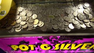 Coin Pusher Hack - Coin Caught on a Lip!   Coin Pusher