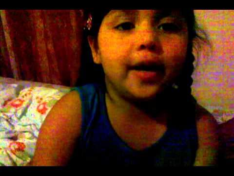 5 year old Persian girl singing