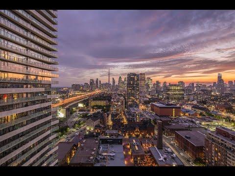 Toronto Condo With MILLION DOLLAR Views!!!