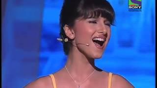 Download Tara Sutaria-Cutest girl in the World sings opera Video