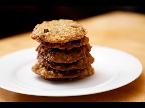Recipe: Sweet and Chewy Oatmeal-Chocolate Chip Cookies