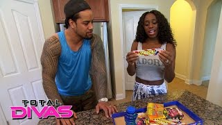 Naomi stocks up on treats for the kids' visit: Total Divas Bonus Clip: August 18, 2015
