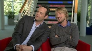 Raw: Vince Vaughn, Owen Wilson rekindle their bromance