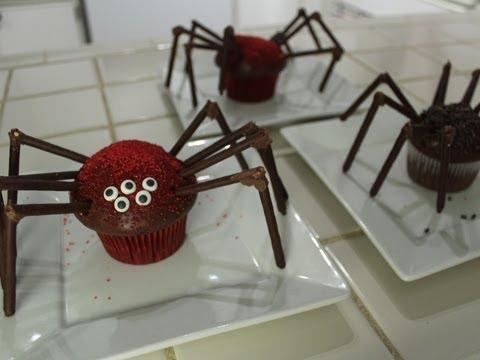 Spider Cupcakes - Quake N Bake