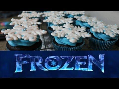 How To Make Frozen Snowflake Cupcakes