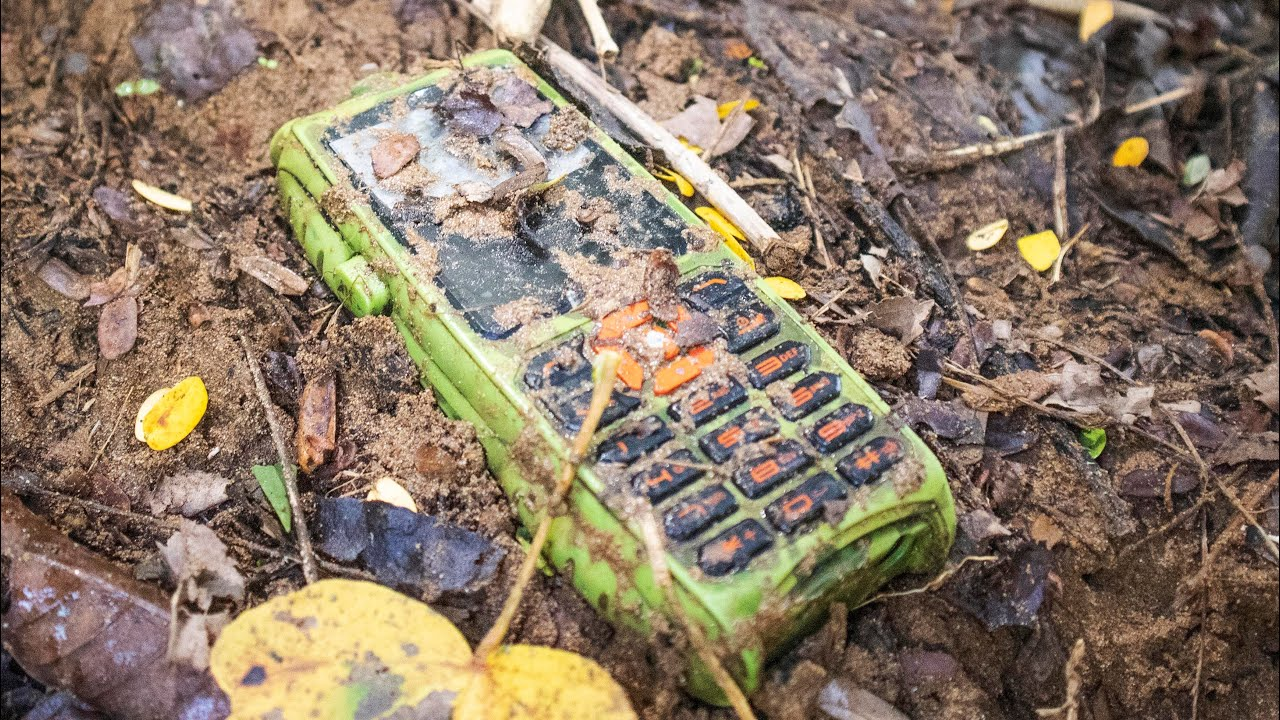 FIND OLD ARMY PHONE IN RIVER || Restoration old phone