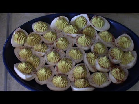 How to make deviled eggs with piped tops with recipe