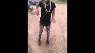 Richy dancin to house music